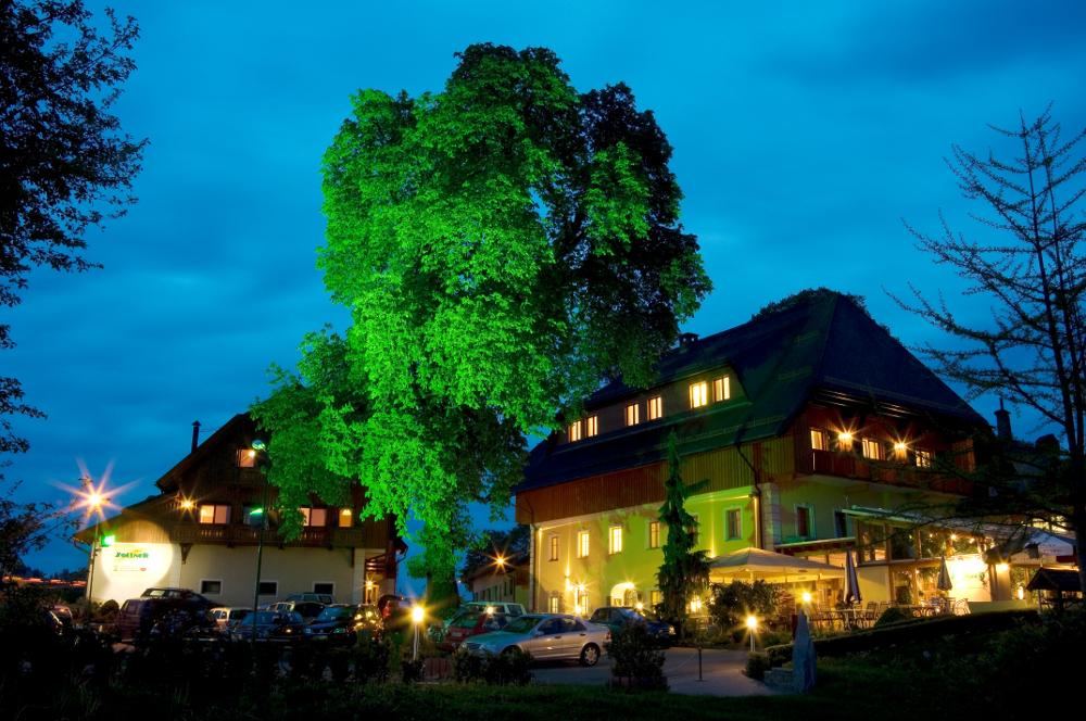Hotel Zollner di notte