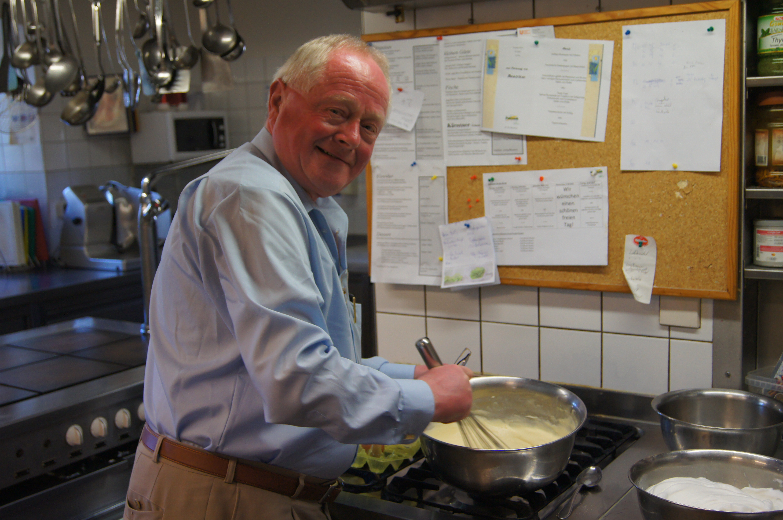 Post Thunbmail Gäste kochen in Zollner´s Küche